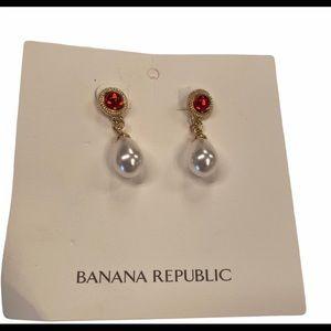 Banana Republic Pearl Drop Earrings